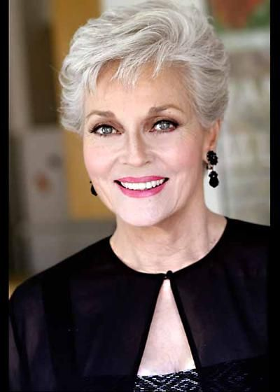 Classy Short Hairstyles for Older Women simple_short_cut_older_women_2