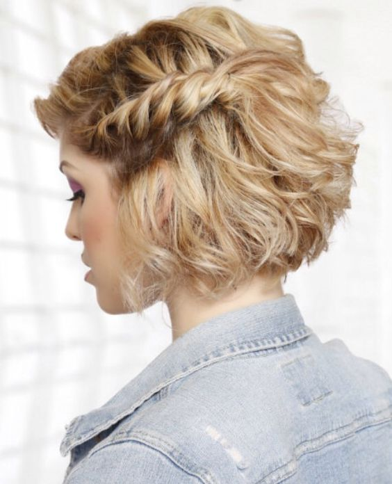 How To Style Short Hair Perfectly style_short_hair_side_braid_4
