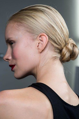 Updos For Short Hair That Will Increase The Beauty Values of Yours updos_short_hair_a-la_ballerina_style_1