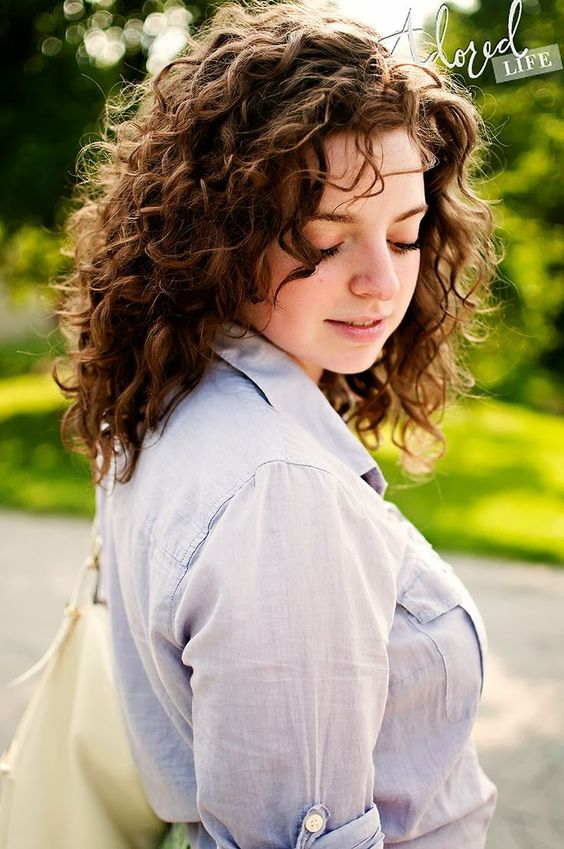 Tips On Short Curly Hair Styles