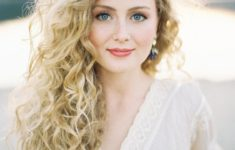 The Best Hairstyles for Your Curly hair Best_Curly_Hairstyles_Long_9-235x150