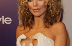 Cute Curly Hairstyles And Haircuts 2017 Popular_Curly_Celebrity_Hair_Styles_6-235x150