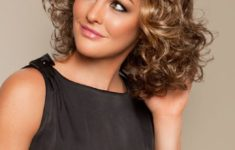 3 Tips On Short Curly Hair Styles Short_Curly_Hair_Styles_Face_Shape_3-235x150