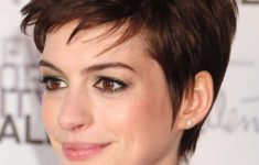 3 Sexy Hairstyles For Short Hair Straight_Straightforward_Hair_Cuts_Ideas_2-235x150