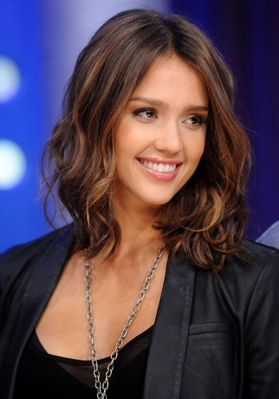 Sedu Hairstyles How To Reveal The Natural Beauty Of Your Face Shape jessica_alba_hairstyles_3