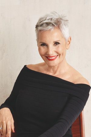 Sensual Fashion For Older Women In The Modern World mature_women_hairstyles_ideas_13