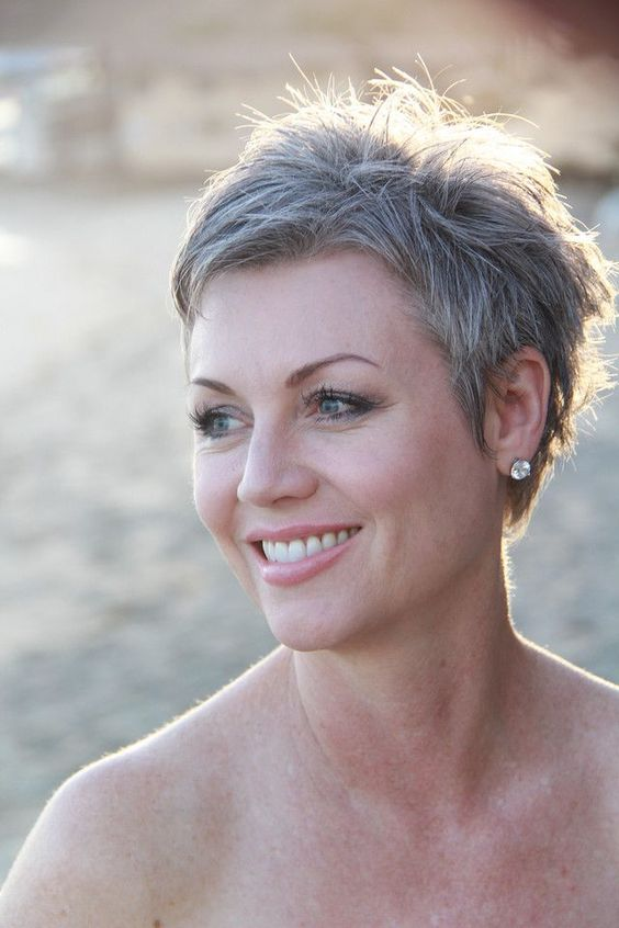 older_women_grey_short_hairstyles_3 older_women_grey_short_hairstyles_3