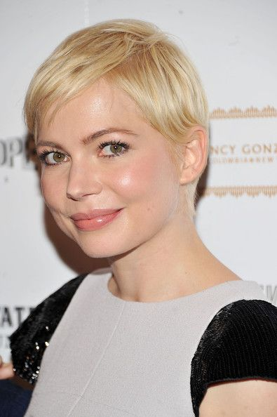 round_face_short_hairstyle_women_10 round_face_short_hairstyle_women_10