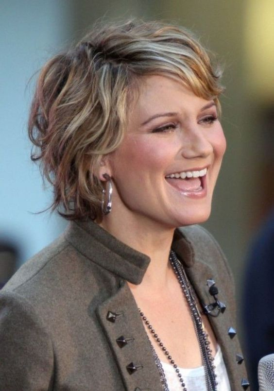 Short Hairstyle And Your Personality short_shag_hairstyles_9