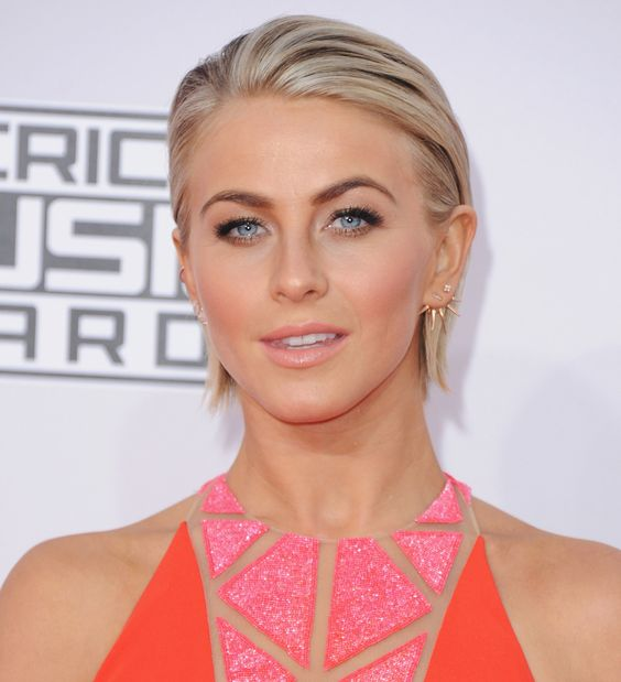 Short Hairstyle And Your Personality short_slick_back_short_hairstyle_women_1-1