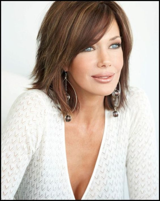 beautiful brown bob hairstyle for women over 40
