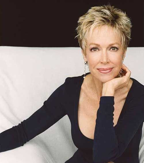 Best Short Hairstyles for Women Over 60 with Thick Hair blonde_cropped_hairstyle_over_60_4