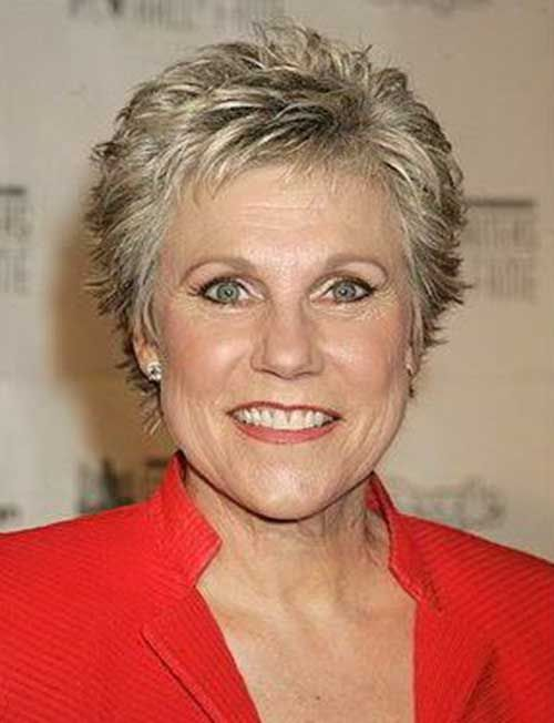 classy pixie hairstyle for older women