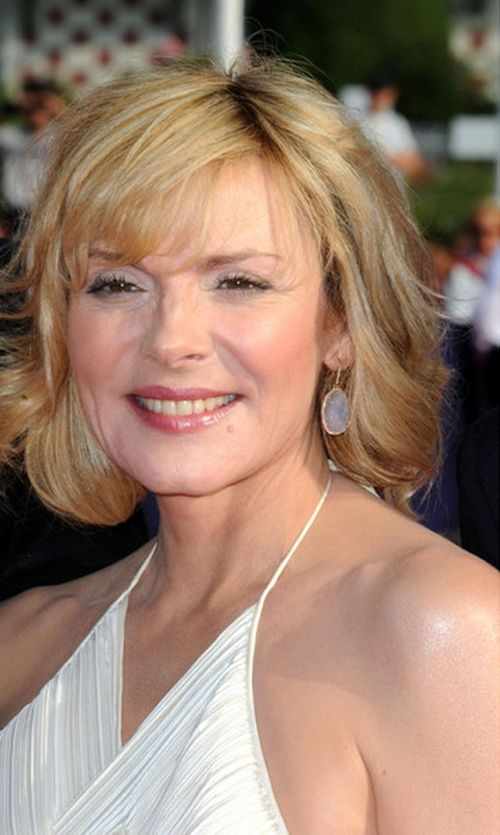 classic bob hairstyle for older women with blonde hair