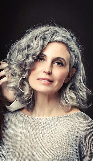 Beautiful Short Curly Hairstyles for Women Over 60 grey_highlight_curls_over_60_women_1