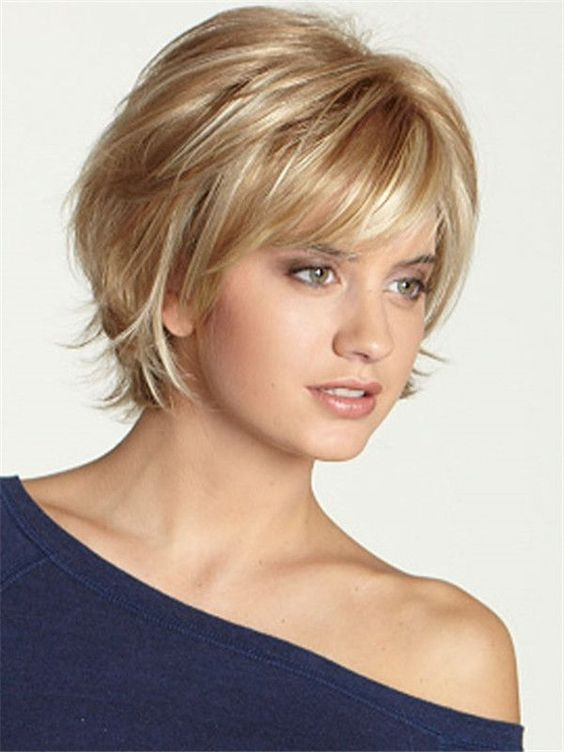 trendy blonde short hairstyle with highlights