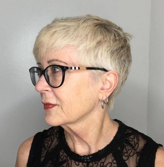 older women with glasses look beautiful with short hair