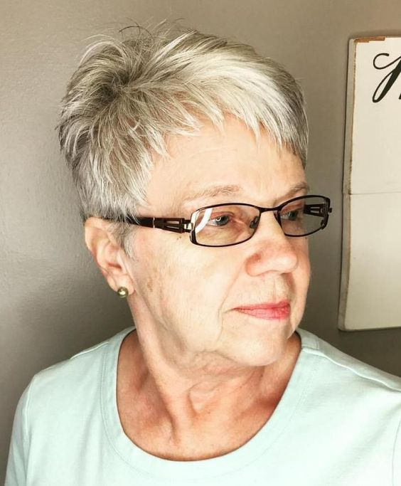 Short Hairstyles for Over 60 with Glasses to Look Fresh and Young blonde_pixie_over_60_5