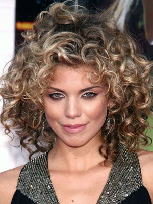 beautiful blonde curly hair with caramel highlights natural_curly_caramel_highlights_17