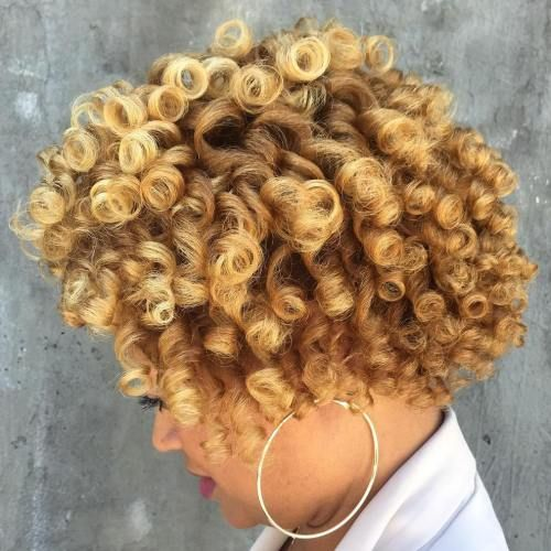 gorgeous blonde natural curly hairstyle you can try in 2018