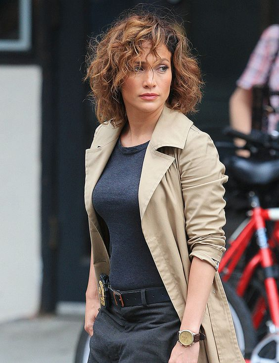 messy_curly_hairstyle_women_15 messy_curly_hairstyle_women_15