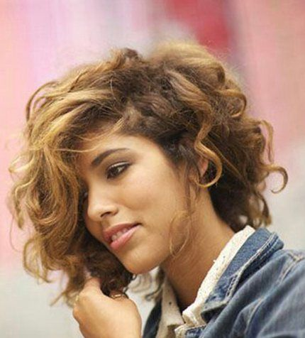 messy_curly_hairstyle_women_8 messy_curly_hairstyle_women_8