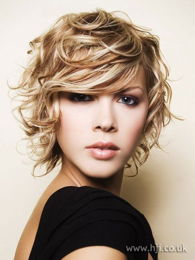 messy_curly_hairstyle_women_9 messy_curly_hairstyle_women_9
