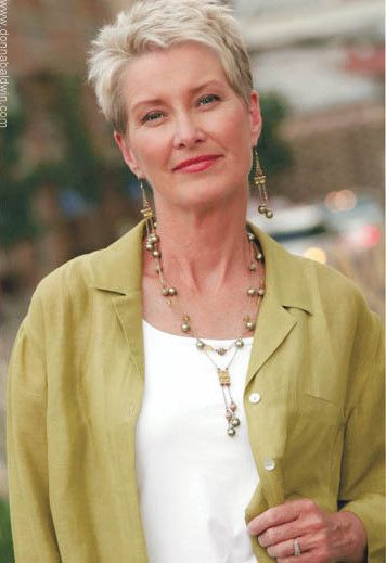 short pixie hairstyle for older women with pale blond hair