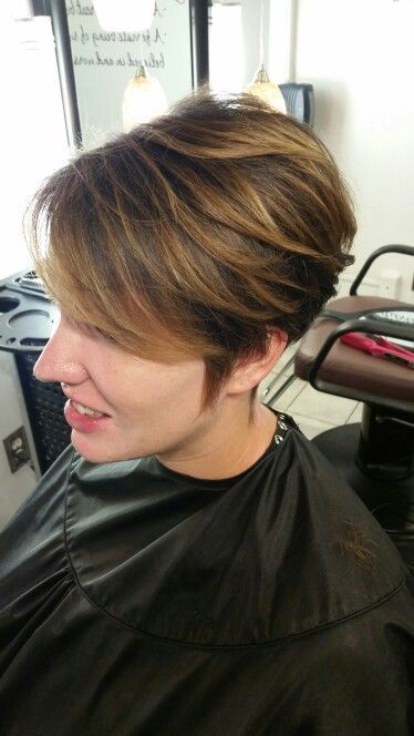 23 Popular Short Hairstyles for Women Over 40 that You Should Check in 2021 Brunette-balayage-pixie
