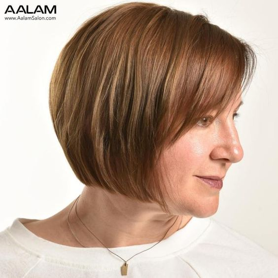 23 Popular Short Hairstyles for Women Over 40 that You Should Check in 2021 Graduated-bob-haircut