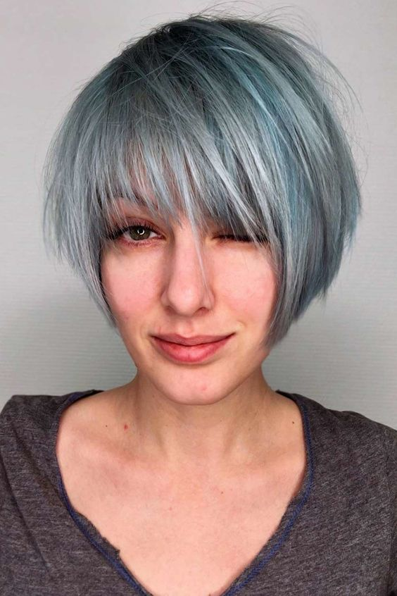 Here are 20 Best Short Haircuts for Straight Hair (Updated 2021) Graduated-bob