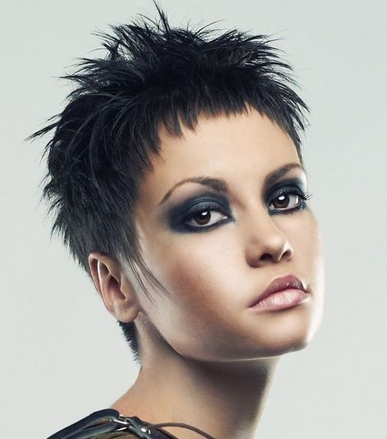 Here are 20 Best Short Haircuts for Straight Hair (Updated 2021) Messy-straight-spiky-hair