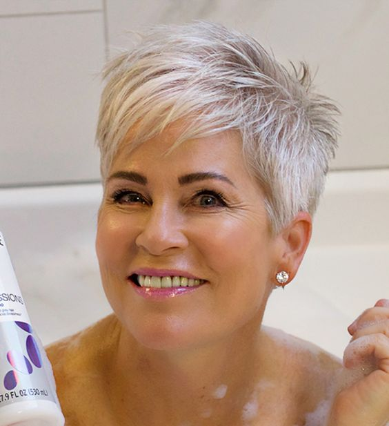 23 Popular Short Hairstyles for Women Over 40 that You Should Check in 2021 Sassy-gray-hair
