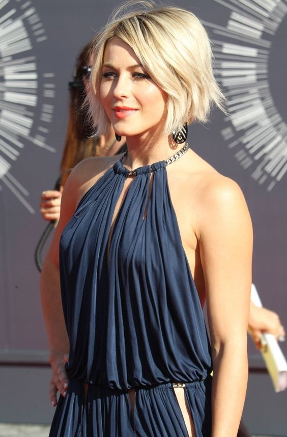 Here are 20 Best Short Haircuts for Straight Hair (Updated 2021) Shaggy-angled-bob