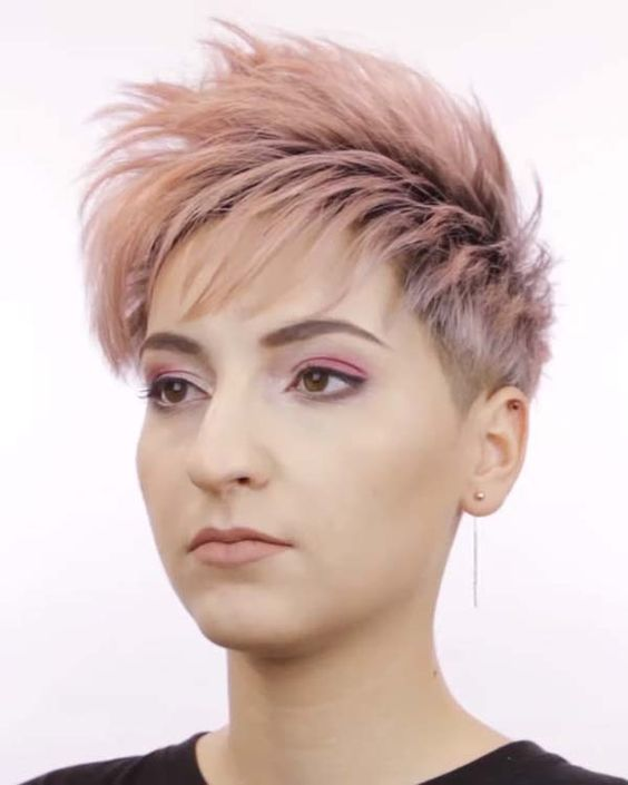Here are 20 Best Short Haircuts for Straight Hair (Updated 2021) Spiky-hairstyles