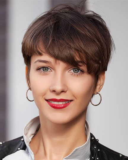 Here are 20 Best Short Haircuts for Straight Hair (Updated 2021) Straight-pixie-with-wispy-bangs