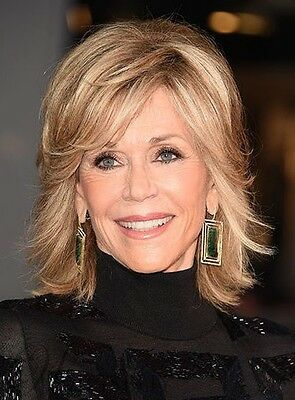 23 Popular Short Hairstyles for Women Over 40 that You Should Check in 2021 Wavy-angled-shaggy-bob