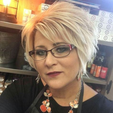 beautiful thick layered haircut for older women
