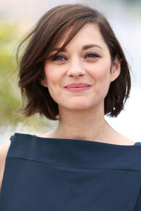 cute looking a line bob hairstyle for women with thin hair