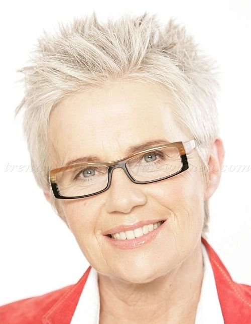 spiky short hairstyle for older women with square face