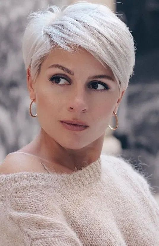 15 Sensual Short Haircut Styles for Older Women that is Awesome in 2021