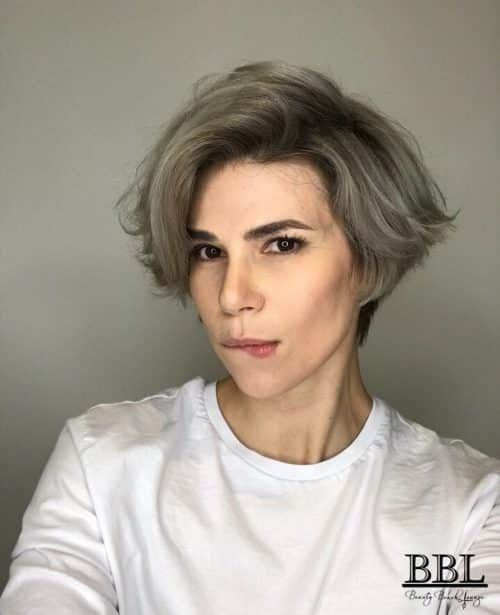 15 Sensual Short Haircut Styles for Older Women that is Awesome in 2021 Modern-wedge-haircut