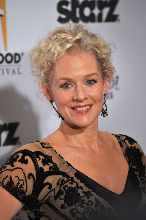 64 Awesome Short Curly Hairstyles for Women over 50 (Updated in 2021) Spiky-curly-hairstyle
