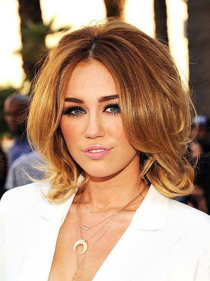 big volume hairstyle for women with thick hair