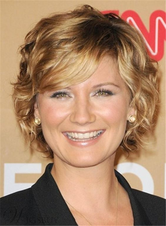 cute short blonde curly hairstyle for over 50 women