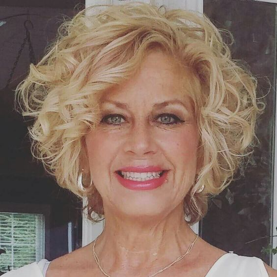 54 Awesome Short Curly Hairstyles for Women over 50 cute-short-curly-hairstyles-for-older-women-with-blonde-hair