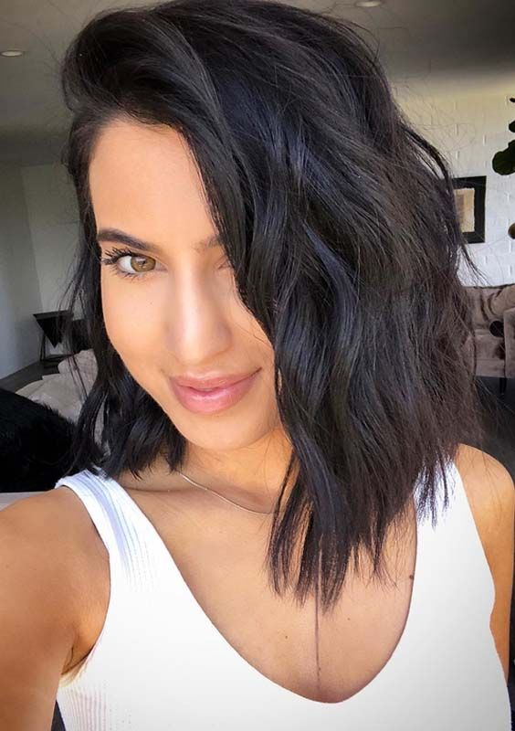 pretty looking bob haircut for young women with thick hair