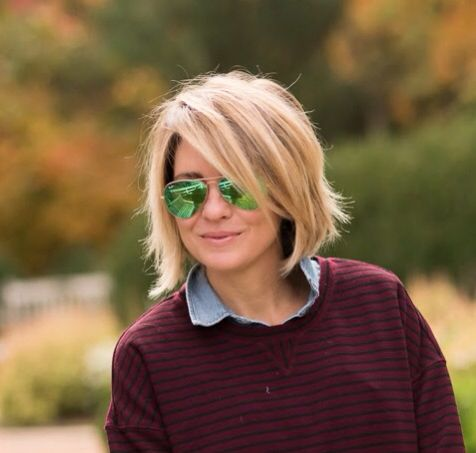 straight cut bob haircut with chopped layers that works with older women