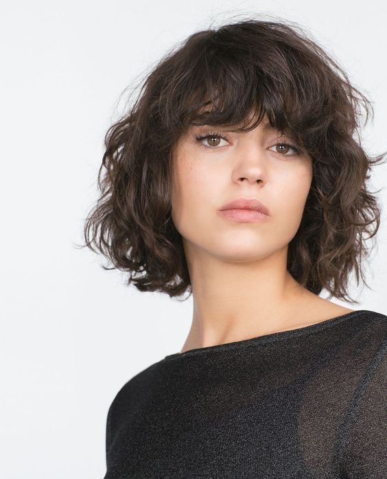 tousled-short-layered-bob-hairstyle-with-curls - Short Hairstyles 2020