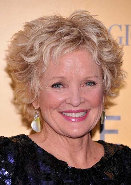 trendy short wavy curly haircut for older women to try this year